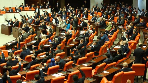 Türkisches Parlament beschließt Aufhebung von Immunität
