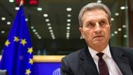 EU-Parlament nimmt Günther Oettinger in die Mangel