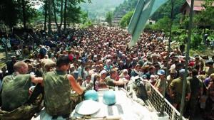 Niederlande tragen Mitschuld am Massaker von Screbrenica
