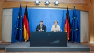 Kommt es noch auf die Kanzlerin an? Angela Merkel und Sigmar Gabriel in der Meseberger Puppenkiste
