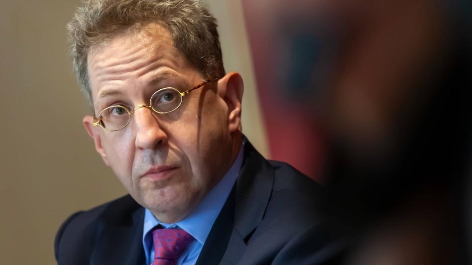 Der frühere Präsident des Verfassungsschutzes Hans-Georg Maaßen wirft seiner Partei (CDU) einen Linksruck vor.