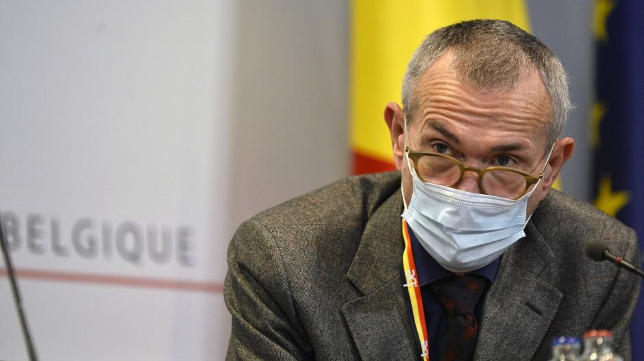 Der belgische Gesundheitsminister Frank Vandenbroucke bei einer Pressenkonferenz in Brüssel am 20. November