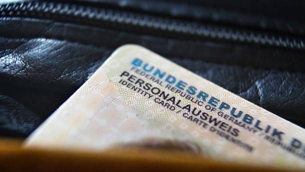 Der Personalausweis wird deutlich teurer