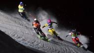 Die schnellste am Hang: Skicrosserin Heid Zacher (3.v.l.) siegt beim Weltcup in Innichen