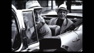 """Kubanische Liebe: Wim Wenders (vorne) und Compay Segundo während der Dreharbeiten zum Film """"Buena Vista Social Club"""""""