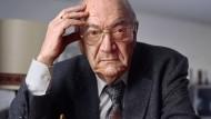 Viktor Kortschnoi ist im Alter von 85 Jahren gestorben. Unser Foto zeigt ihn im März 2006 in seiner Wahlheimat in der Schweizer Stadt Wohlen.