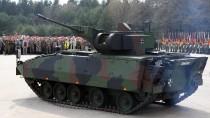 Der Schützenpanzer Puma auf dem Truppenübungsplatz in Munster