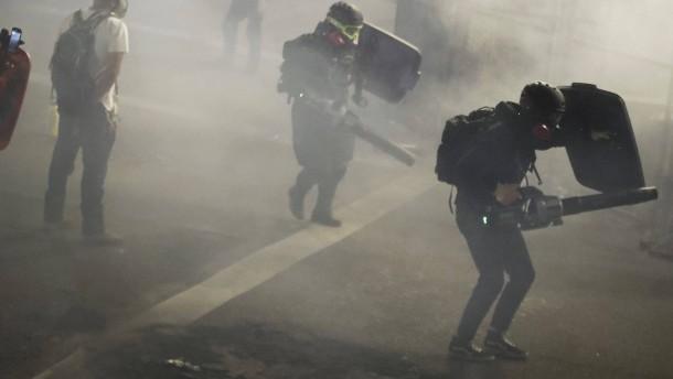 """Trump droht Demonstranten """"mit mindestens zehn Jahren Gefängnis"""""""