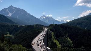 Tirol sperrt Landstraßen für Sommer-Reiseverkehr