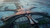 Terminal der Superlative: Peking-Daxing wurde auf den Punkt genau nach fünf Jahren Bauzeit fertiggestellt.
