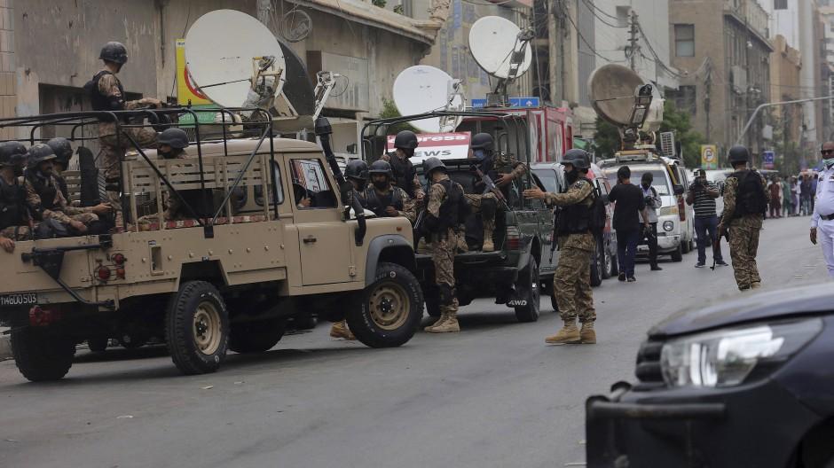 Bewaffneter Angriff auf Börse in Pakistan