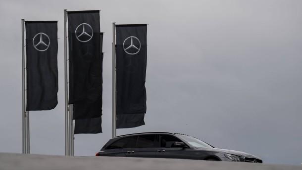 Autobauer wegen Kartellverdacht wieder unter Druck