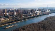 Der Stahlkonzern Salzgitter hat erst kürzlich den Auftrag an Siemens vergeben, auf dem Firmengelände Windanlagen zu bauen.