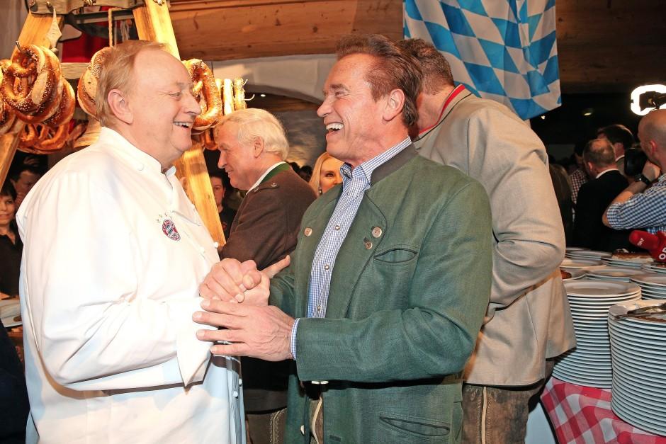 Mit Arnold Schwarzenegger auf einer Weißwurstparty