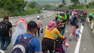Amerika stoppt mehr als 100.000 Migranten an Grenze zu Mexiko