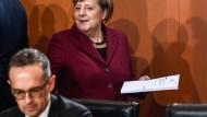 Kanzlerin Merkel, Außenminister Maas am Mittwoch im Kabinett in Berlin