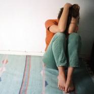 Die derzeitige Situation kann nicht nur Einsamkeit hervorrufen, sondern auch Depressionen verstärken.