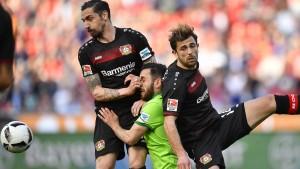 Dramatischer Achterbahn-Fußball mit Bayer und Wolfsburg