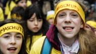 Aus Berlin übertrug sich der Klimaprotest auf andere deutsche Städte. Am Freitag versammelten sich die Schüler hierzulande unter anderem auch in Köln, Dresden, Stuttgart und Frankfurt am Main.