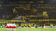 Worte und Taten: Auf Spruchbannern taten die Dortmunder Fans am Samstag im Stadion hren Hass auf RB Leipzig kund.