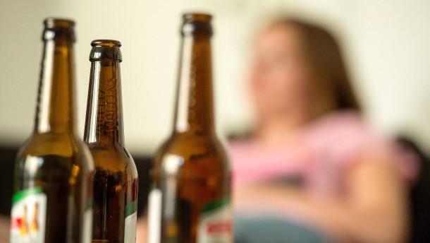 Warum billiger Alkohol teurer werden sollte