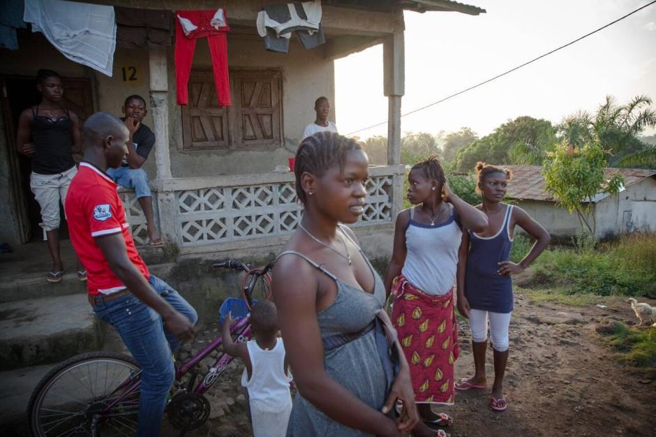 Was Tuberkulose an gesellschaftlicher Ausgrenzung im 19. Jahrhundert bedeutete und HIV im 20. Jahrhundert, das ist heute mit Ebola in Westafrika vergleichbar.