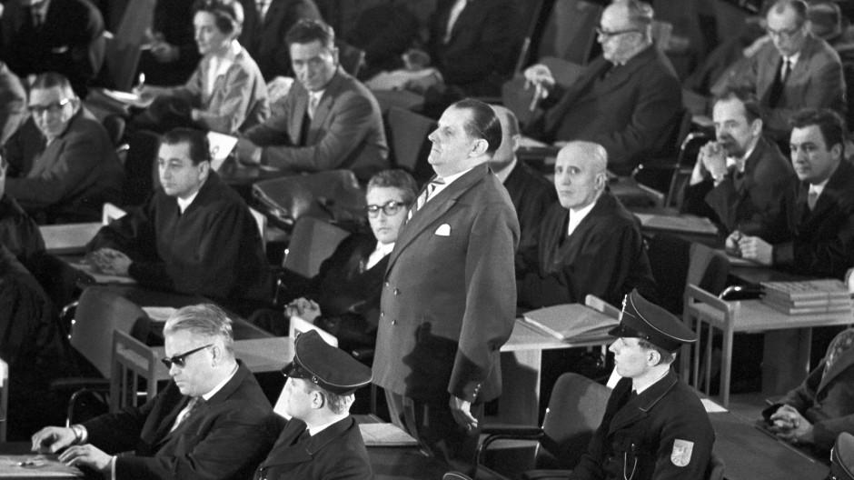 Späte Gerechtigkeit: Der Angeklagte Oswald Kaduk am 20. Dezember 1963 im Auschwitz-Prozess in Frankfurt