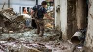 Aufräumarbeiten nach dem schweren Unwetter in Braunsbach