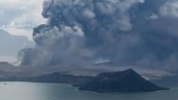 Ausbrechender Vulkan könnte Tsunami auslösen