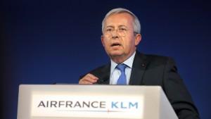 Französische Regierung fordert Gehaltskürzungen