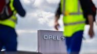"""Es """"rummst"""" bei Opel: Management und IG Metall sowie der Betriebsrat stehen sich nahezu unversöhnlich gegenüber."""