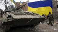 Ein ukrainischer Soldat in Luhansk: Nahe der Stadt kam es zum ersten Austausch von Gefangenen.