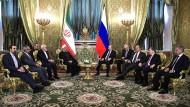 Verstehen sich immer besser: der iranische Präsident Hassan Ruhani und der russische Präsident Wladimir Putin