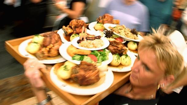 Wiesn-Wirte: Oktoberfestbesucher vor Gammelfleisch sicher