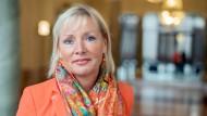 Soll weiteres Personal bekommen, wenn der Nachtragsetat besteht: Kristina Sinemus
