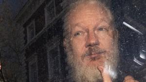 Mitarbeiter von Assange in Ecuador festgenommen