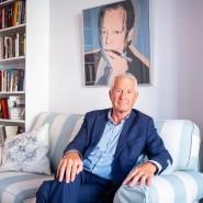 Der Altkanzler schaut ihm über die Schulter: In Thorbjørn Jaglands Arbeitszimmer in seiner Wohnung in Oslo hängt ein Brandt-Porträt von Andy Warhol.