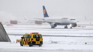 Warum die Bahn und Fraport bei Schnee resignieren