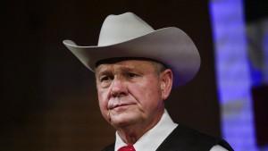 Senatskandidat Moore soll Mädchen belästigt haben