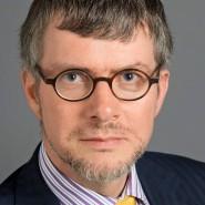 """Patrick Bahners - Portraitaufnahme für das Blaue Buch """"Die Redaktion stellt sich vor"""" der Frankfurter Allgemeinen Zeitung"""