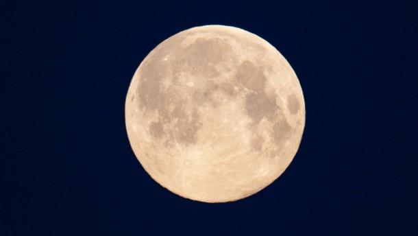 """""""Eine aufregende neue Mond-Entdeckung"""""""