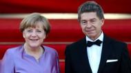 """Kam gerade noch einmal rechtzeitig: Joachim Sauer reagierte sofort, als es seiner Frau zu viel wurde. Nur """"Die Aktuelle"""" kam ein Jahr zu spät mit ihrer Geschichte."""