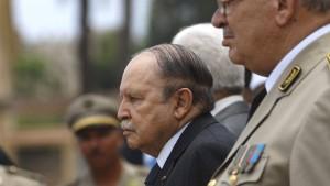 Algeriens Präsident setzt Übergangsregierung ein