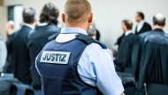 Strikte Sicherheitsvorkehrungen am Dienstag im Landgericht Essen