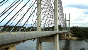 Erste Grenzbrücke zwischen EU und Südamerika eröffnet