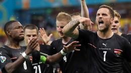 Österreich gewinnt EM-Auftakt durch zwei Joker