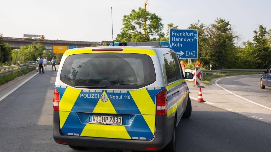 Polizeieinsatz auf der A66 (Symbolbild)