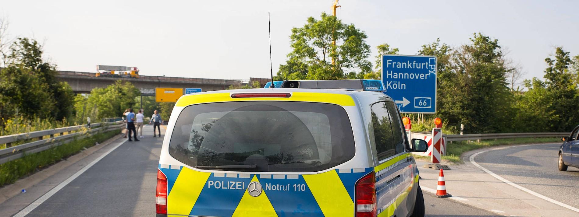 Polizei findet 135 Kilo Drogen durch Autounfall