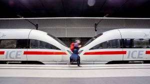 Grüne fordern Zerschlagung des Bahn-Konzerns in zwei Teile
