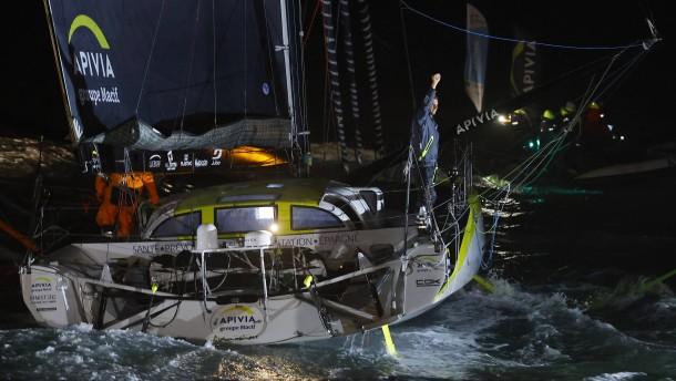 Herrmann kollidiert mit Fischerboot – Dalin als Erster im Ziel